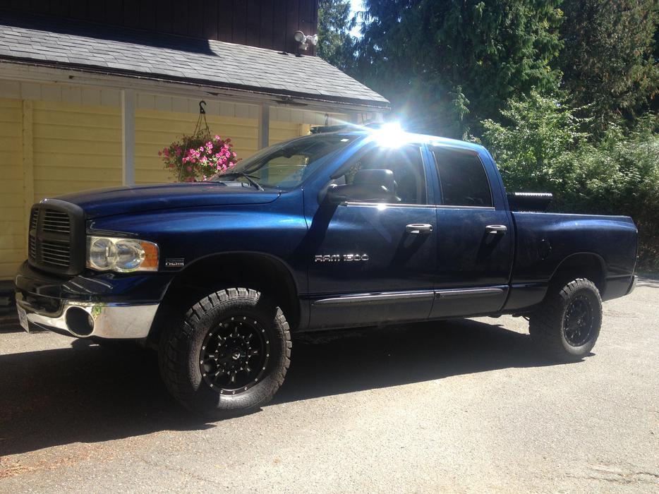 2004 Dodge Ram Crew Cab Laramie 1500 5 7 Liter Hemi 4x4 Malahat Including Shawnigan Lake