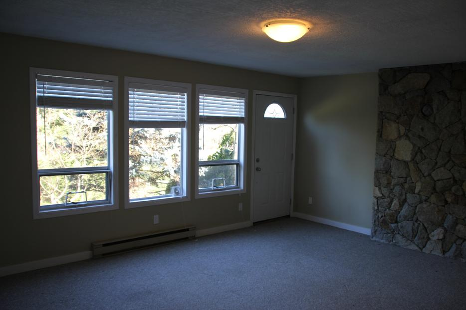 Large 1 Bedroom Suite In Colwood Available As Early As