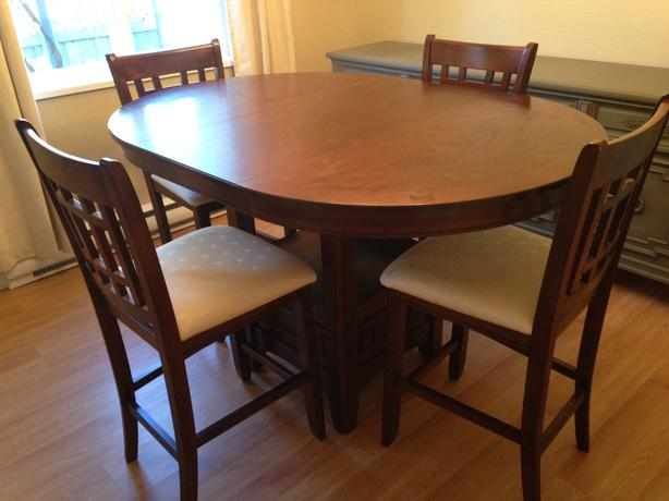 Bar Style Dining Table And 4 Chairs Set Comox Courtenay Comox