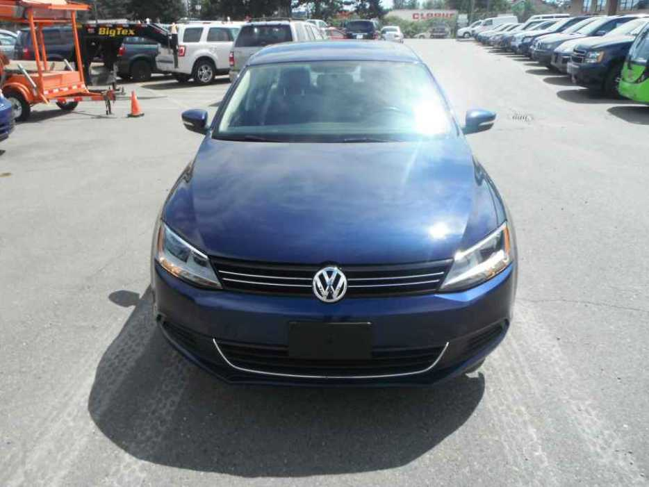 2014 volkswagen jetta tsi outside comox valley comox. Black Bedroom Furniture Sets. Home Design Ideas