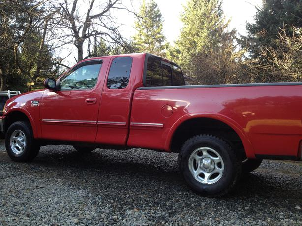1998 ford f150 xlt 4x4 ext cab north nanaimo parksville qualicum beach. Black Bedroom Furniture Sets. Home Design Ideas