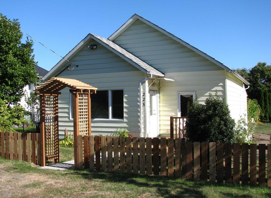 Ladysmith House For Rent Outside Nanaimo Parksville