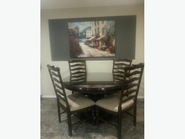 Paula Deen Table with glass top East Regina Regina MOBILE : 45263514614 from www.usedregina.com size 614 x 461 jpeg 22kB