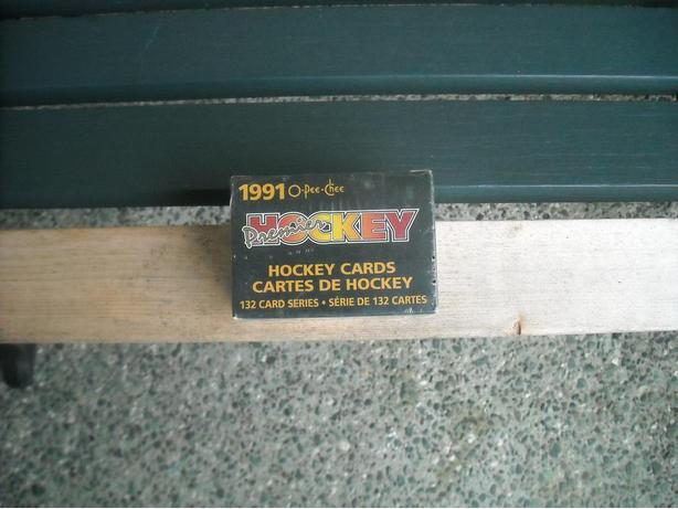 RARE FACTORY SEALED 90-91 OPC HOCKEY PREMIER SET