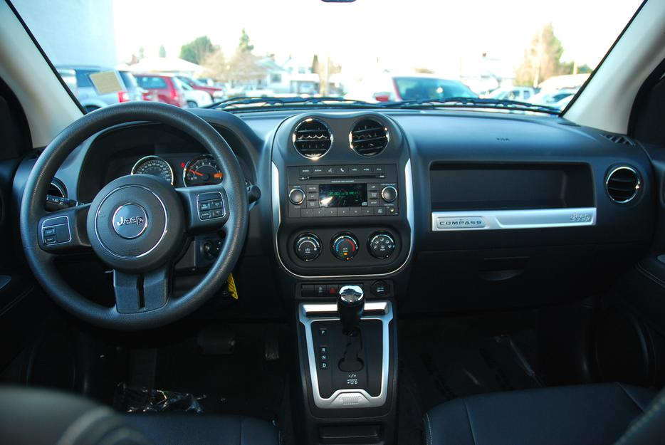 2014 jeep compass sport north outside nanaimo nanaimo. Black Bedroom Furniture Sets. Home Design Ideas