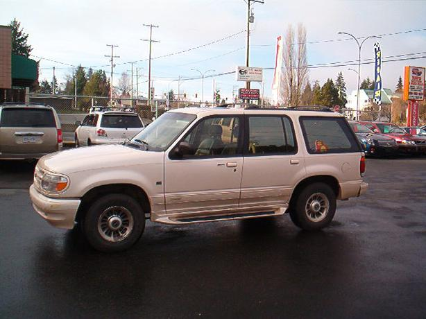 1996 ford explorer 4x4 central nanaimo parksville. Black Bedroom Furniture Sets. Home Design Ideas