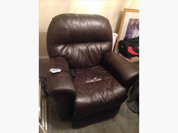Electric Leather Power Recliner Chair Central Nanaimo Nanaimo