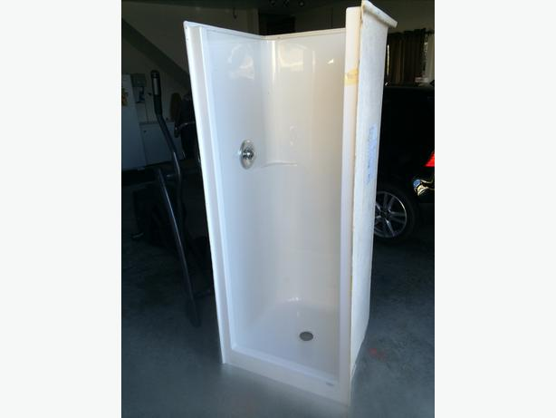 30x30 Shower Stall Outside Nanaimo Nanaimo Mobile