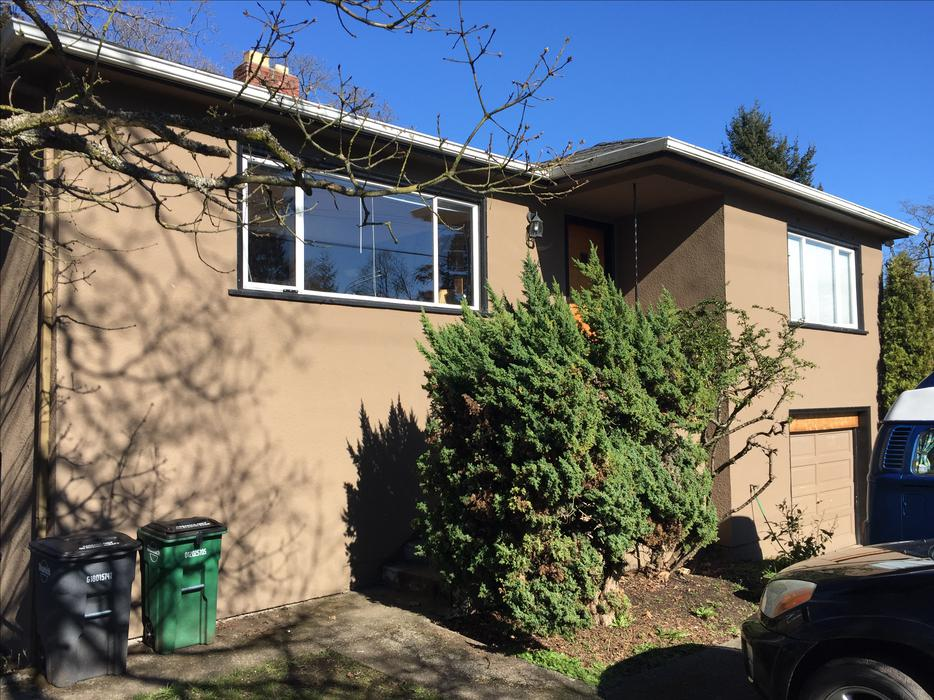 5 Bedroom House For Rent Starting May 1 Beside Uvic And