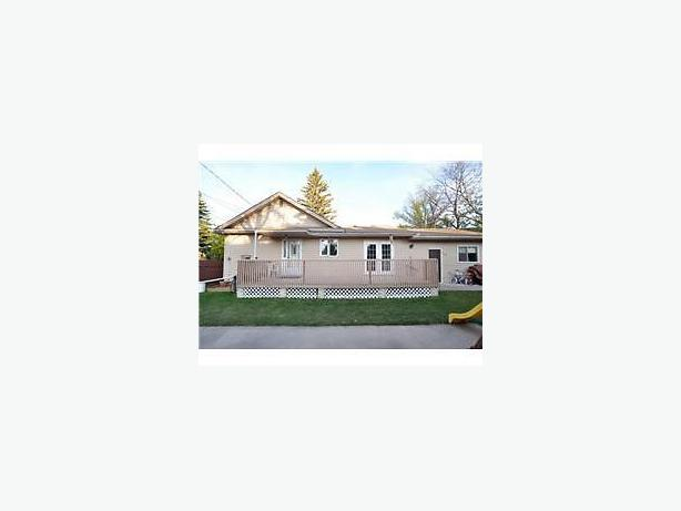 3 bedroom bungalow with finished basement in the heart of for 3 bedroom with finished basement