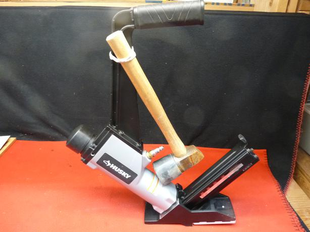 Husky Fcs50 A1 2 In 1 Cleat And Stapler Flooring Nailer