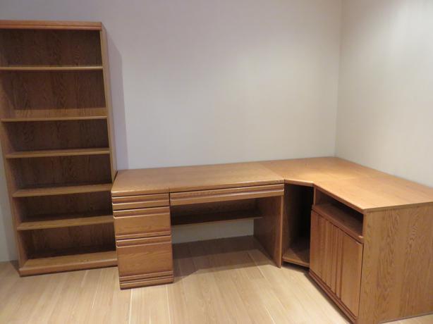 corner desk and book shelf unit orleans ottawa mobile. Black Bedroom Furniture Sets. Home Design Ideas