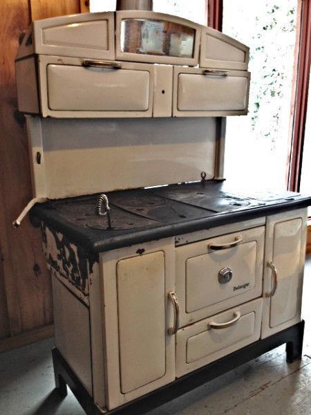 Bélanger antique wood stove  poêle à bois antique