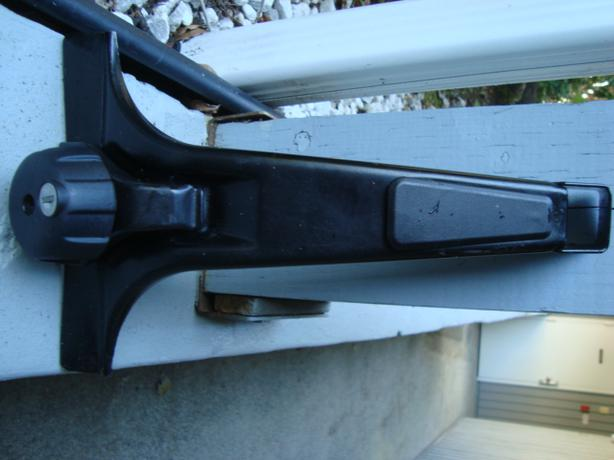Thule Rain Gutter Roof Rack Save 200 Central Nanaimo