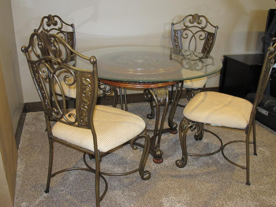 Beautiful Ashley Table amp Chairs for Sale Rural Regina  : 45427350934 from www.usedregina.com size 934 x 700 jpeg 109kB