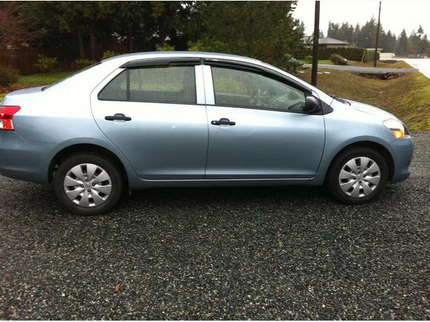 2009 toyota yaris 4dr sedan cedar nanaimo. Black Bedroom Furniture Sets. Home Design Ideas