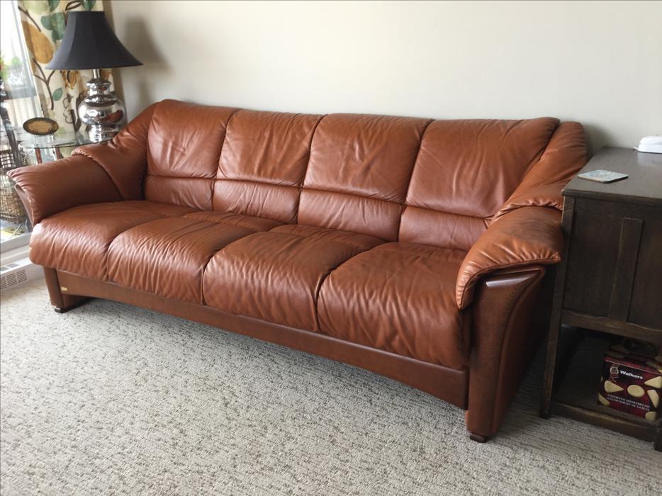stressless ekornes oslo 4 seat leather sofa victoria city victoria mobile. Black Bedroom Furniture Sets. Home Design Ideas