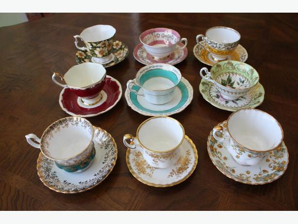 Lots of England Fine Bone China Tea Cup and Saucer Sets