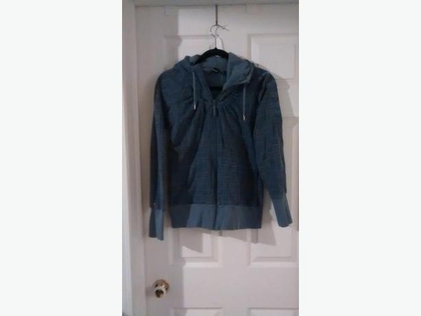 Ladies BENCH Hoodie - Size Large