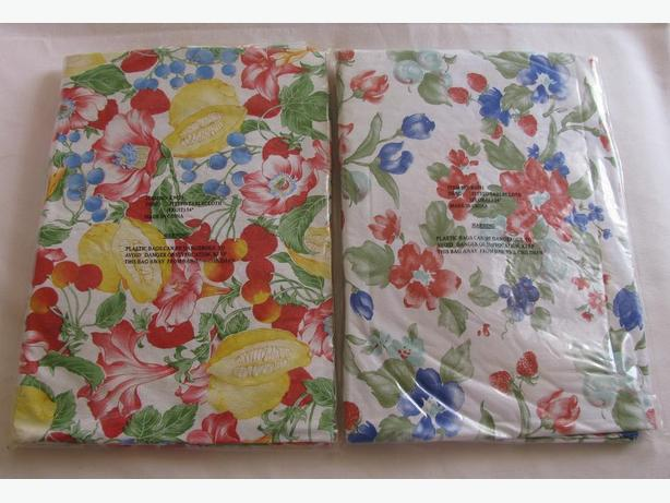"""54"""" Round Plastic Vinyl Tablecloth Fruit or Floral Choice Brand New"""