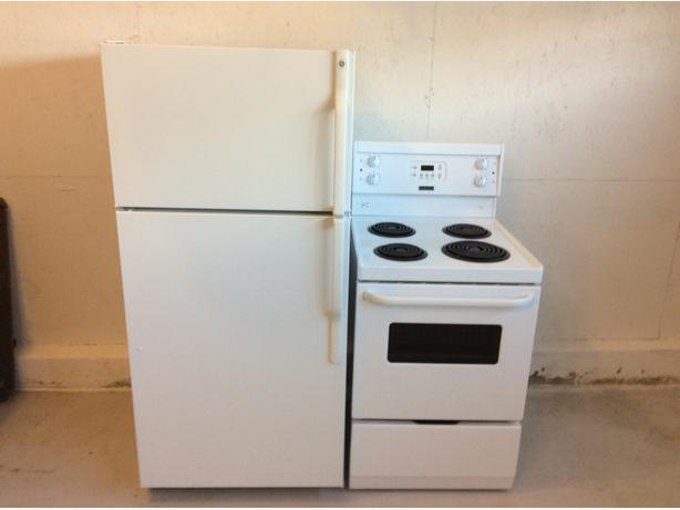 newer apartment size fridge and stove fort garry whyte