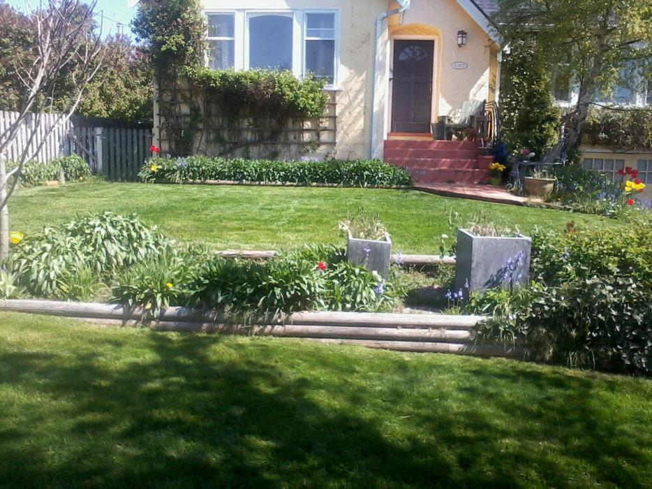 Lawn and garden care services saanich victoria for Lawn and garden care services