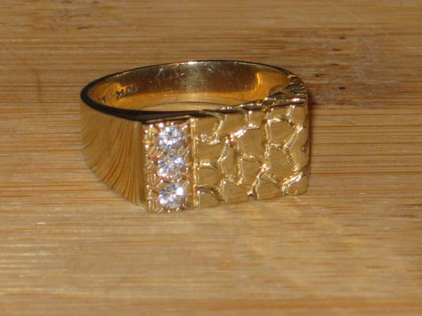 price reduced 10k gold nugget ring size 9 50 crofton