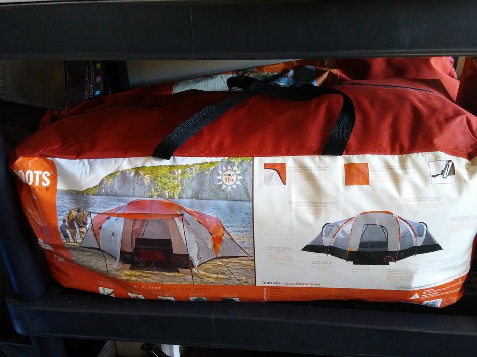 & Roots big family tent Victoria City Victoria
