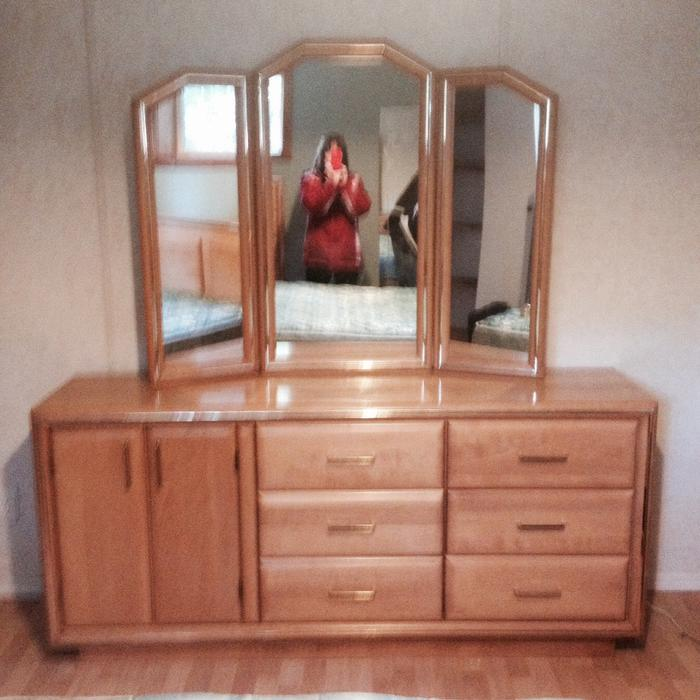 Solid Maple Queen Size Bedroom Set Qualicum Nanaimo Mobile