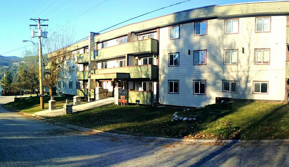 For Rent 1 Or 2 Bedroom Apartment Fruitvale Montrose Kootenays