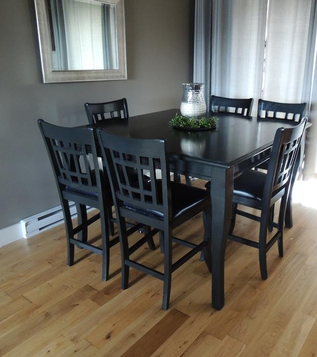 Tall dining room table 6 chairs sooke victoria for Dining room tables kelowna
