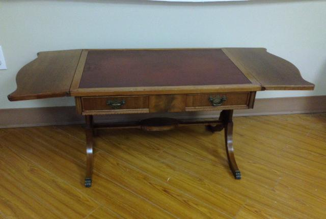 Antique duncan phyfe drop leaf mahogany coffee table for Coffee tables kelowna
