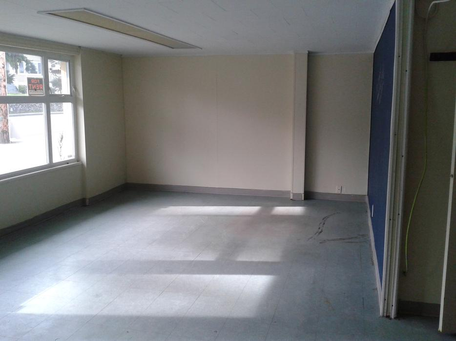Commercial space available to rent available december 1 2015 saanich victoria - Small commercial rental space photos ...
