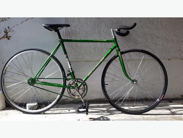 peugeot fixed gear fixie road bike saanich victoria. Black Bedroom Furniture Sets. Home Design Ideas