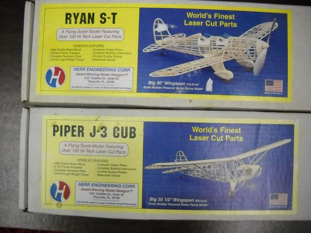 2 Model  Airplanes