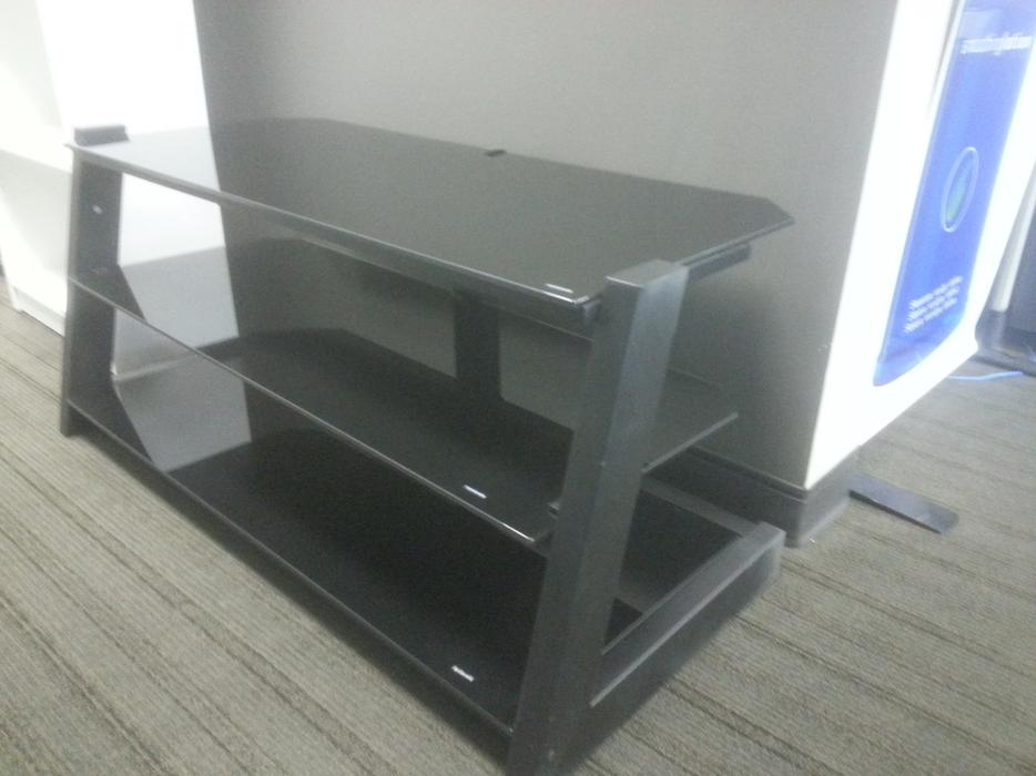 Tv stand meuble pour tv montreal montreal for Meuble to go montreal