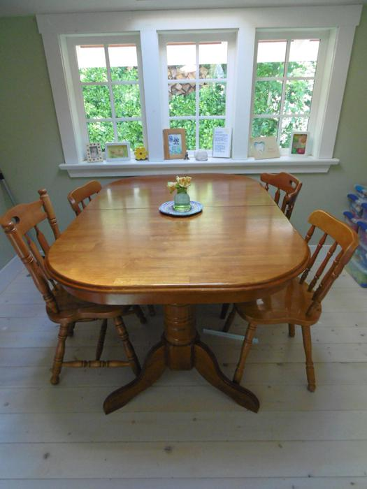 Solid wood dining room table outside victoria victoria for Dining room tables victoria