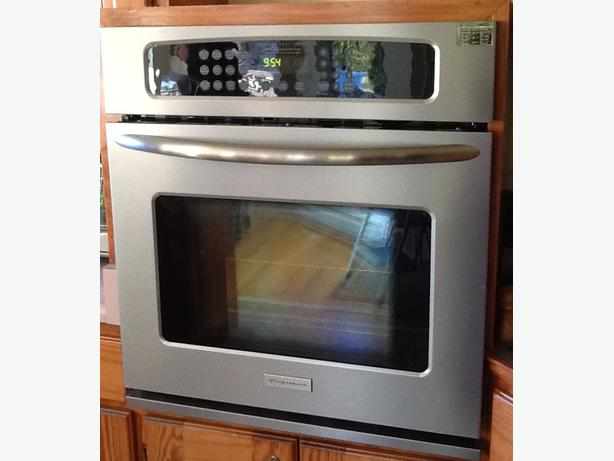 Frigidaire Professional Series Convection Wall Oven West