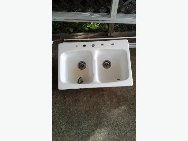 how to clean a fiberglass utility sink