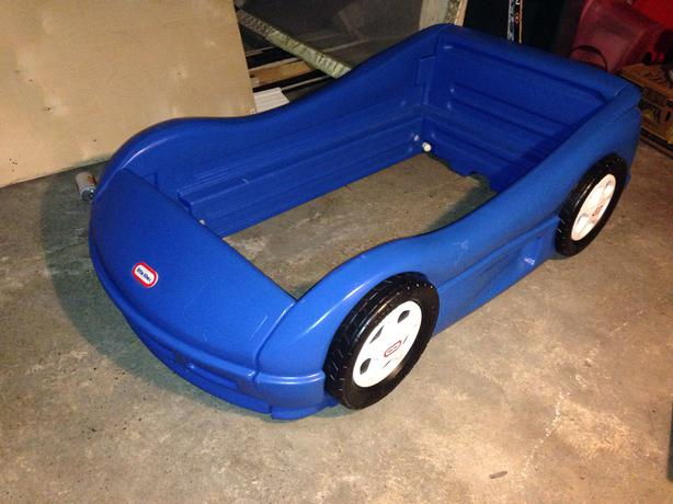 Little Tikes Blue Car Bed: Little Tikes Race Car Bed Central Nanaimo, Nanaimo