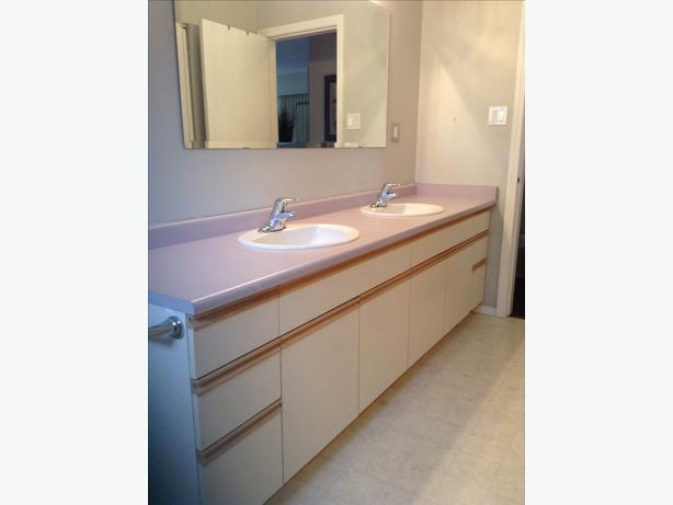 free bathroom cabinets two sinks and mirror central nanaimo parksville qualicum beach