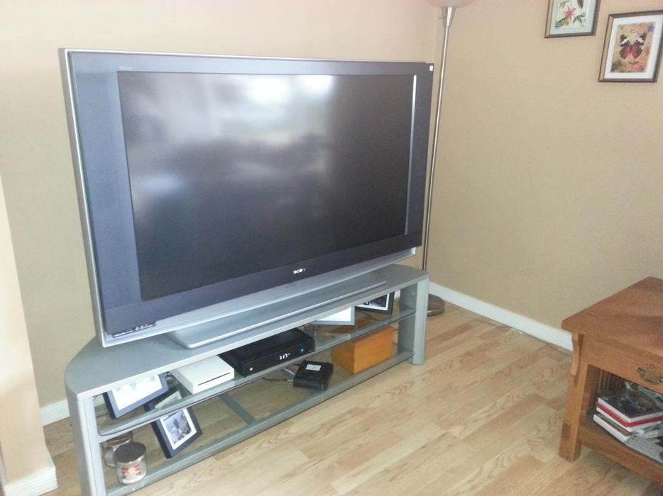 sony grand wega 55 tv north nanaimo nanaimo mobile. Black Bedroom Furniture Sets. Home Design Ideas