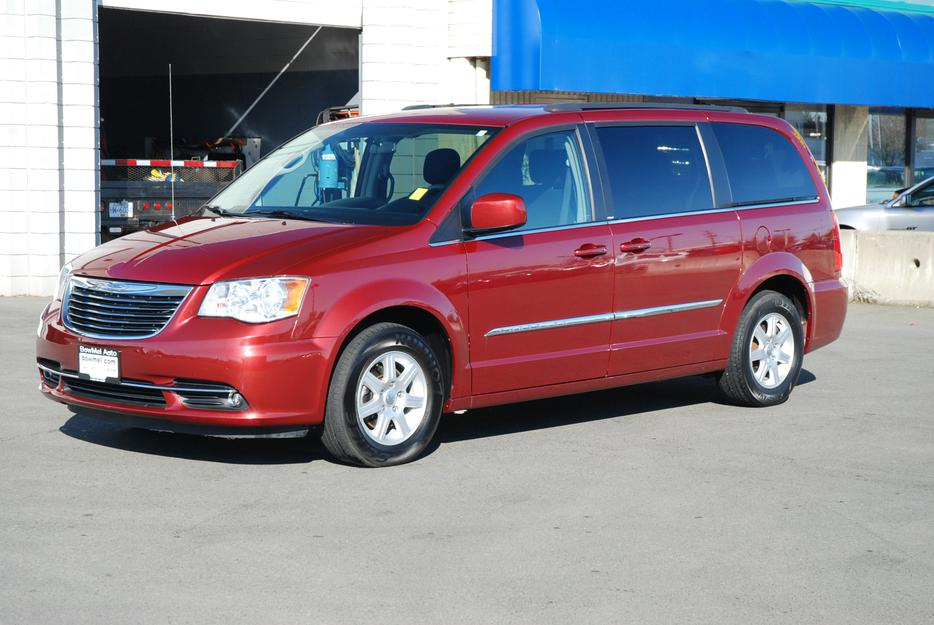 2012 Chrysler Town Amp Country Touring Outside Nanaimo Parksville Qualicum Beach