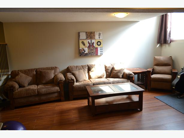 Offering full living room set purchased from Ashley Furniture