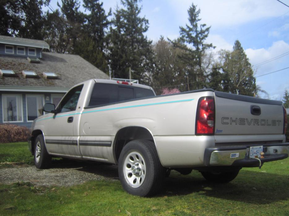 2005 Chevrolet Silverado  8 Foot Box Outside Nanaimo  Nanaimo