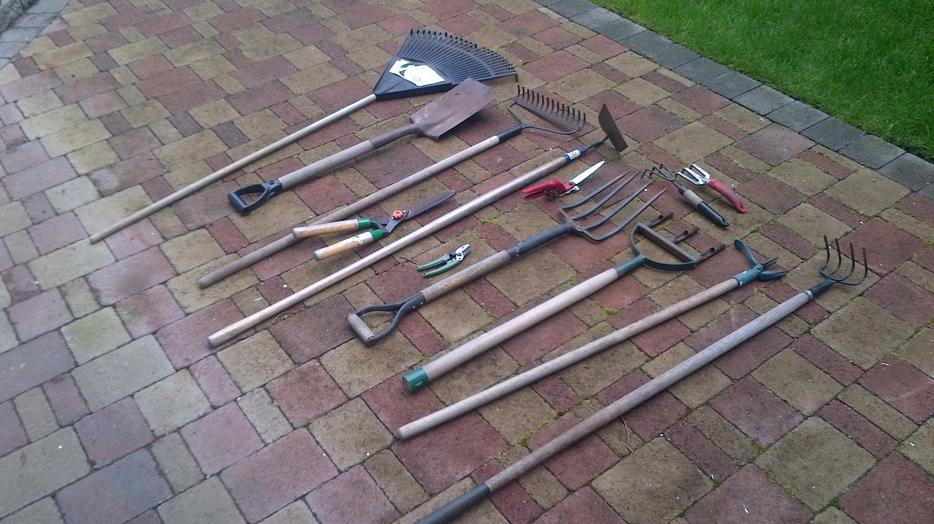 Misc gardening tools victoria city victoria for Gardening tools ottawa
