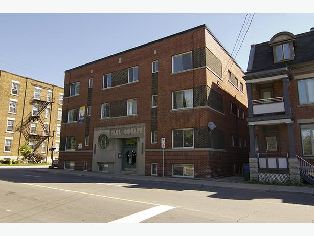 Cozy Bachelor Apartment On Trendy Elgin St 425 Central