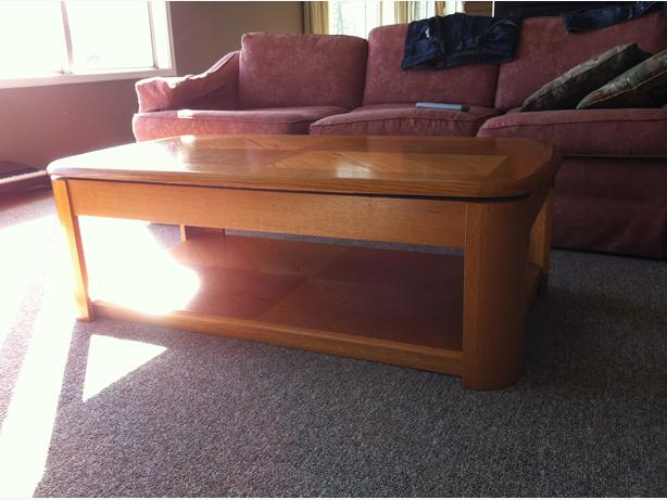 Coffee table eat in the living room special oak bay for Coffee tables you can eat on