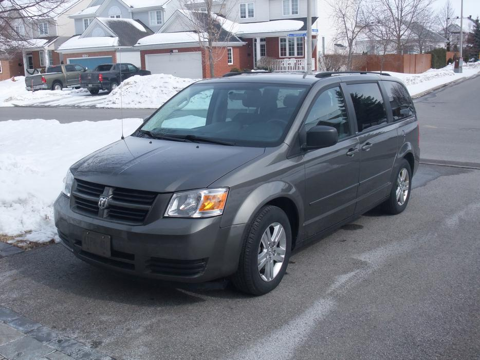 2010 dodge grand caravan sxt plus stow and go 6 cylinder. Black Bedroom Furniture Sets. Home Design Ideas