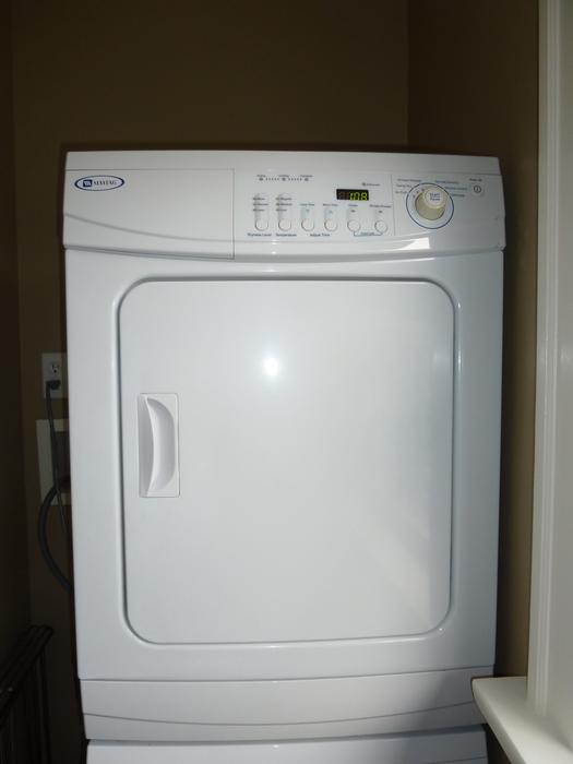 Apartment Size Maytag Front Loading Washer Dryer Victoria